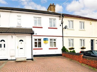 4 bedroom terraced house in Strood, Rochester