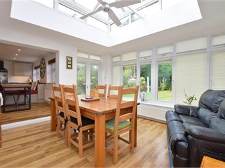 4 bedroom detached house in Tonbridge