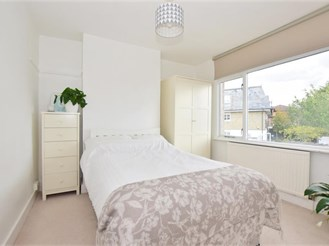 1 bedroom first floor flat in Hornchurch