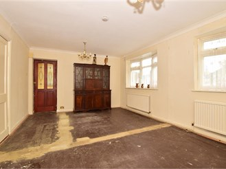 2 bed semi-detached bungalow in Bayview, Sheerness