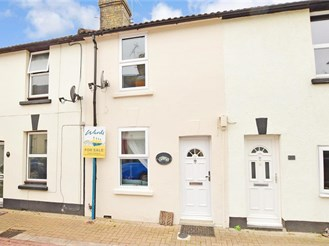 2 bedroom terraced house in Wouldham, Rochester