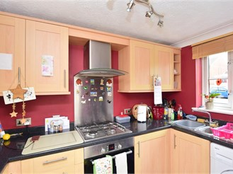 2 bedroom semi-detached house in High Halstow, Rochester