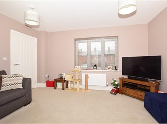 2 bedroom semi-detached house in Whitfield, Dover