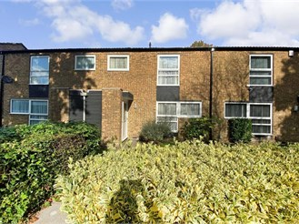3 bedroom terraced house in New Ash Green, Longfield