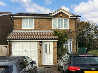 3 bedroom detached house in Folkestone