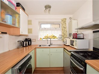 1 bedroom ground floor flat in Chatham