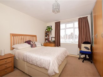1 bedroom first floor flat in Shirley, Croydon