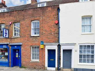 2 bedroom terraced house in Canterbury