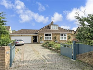 6 bedroom detached bungalow in Rochester