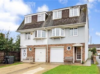 4 bedroom town house in Gravesend