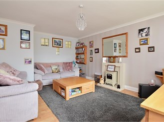 3 bed end of terrace house in Capel-Le-Ferne, Folkestone