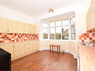 2 bedroom first floor apartment in Cliftonville, Margate