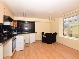 1 bedroom lower-ground floor converted flat in Margate