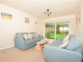 3 bedroom detached house in Canterbury