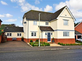 5 bedroom detached house in Chartham, Canterbury