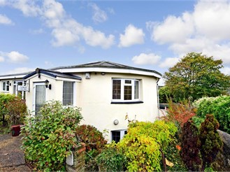 4 bedroom detached house in Dover