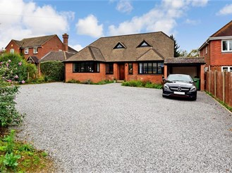 4 bed detached house in East Farleigh, Maidstone