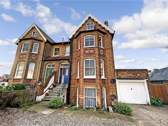 2 bedroom top floor maisonette in Herne Bay