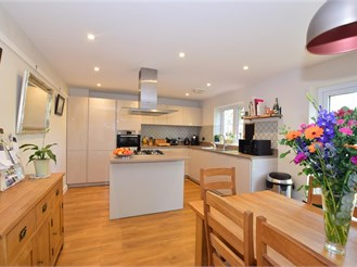 4 bedroom semi-detached house in Headcorn, Ashford