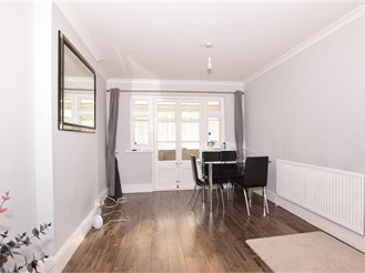 3 bed terraced house in Medway, Rochester