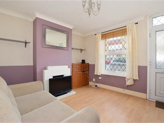 2 bedroom end of terrace house in Maidstone