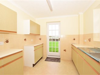 3 bed detached house in Deal