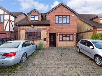 5 bedroom detached house in West Kingsdown, Sevenoaks