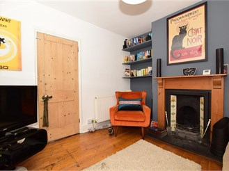 2 bedroom terraced house in Maidstone