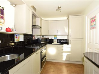 3 bedroom semi-detached house in Maidstone