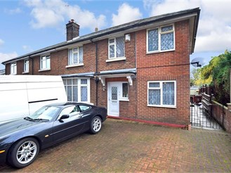 5 bed semi-detached house in Gillingham