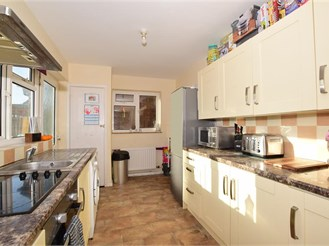 3 bed detached house in Birchington