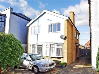 3 bedroom detached house in Margate