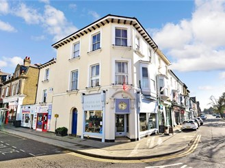 2 bedroom first floor converted flat in Deal