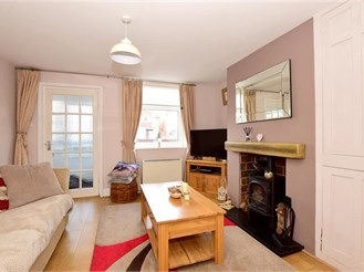 3 bedroom end of terrace house in East Peckham