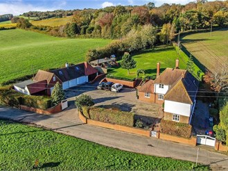 5 bed detached house in Canterbury