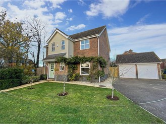 4 bed detached house in Headcorn, Ashford