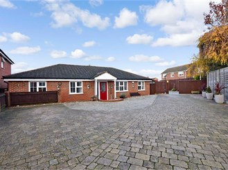 4 bedroom detached bungalow in Bearsted, Maidstone