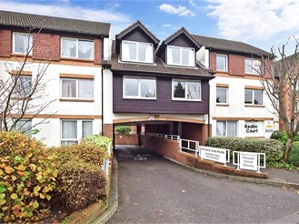 1 bedroom ground floor apartment in Redhill