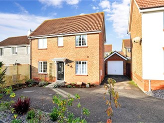 3 bedroom link-detached house in Minster On Sea, Sheerness