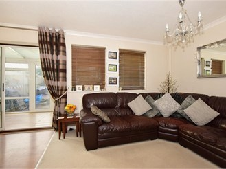 2 bed end of terrace house in Leeds, Maidstone