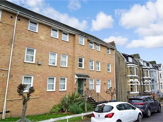 2 bedroom second floor apartment in Dover