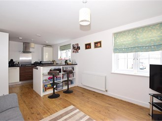 2 bed ground floor apartment in Larkfield, Aylesford