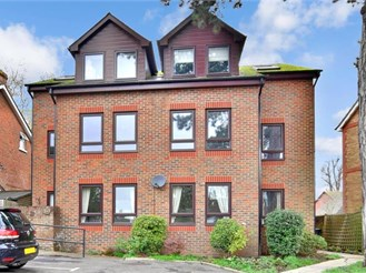 2 bedroom first floor flat in Tonbridge
