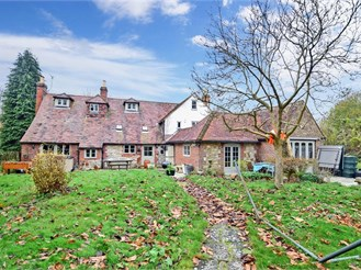 6 bed detached house in Teston, Maidstone