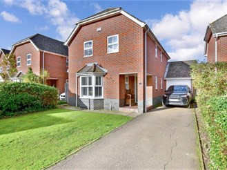 4 bedroom detached house in Headcorn, Ashford