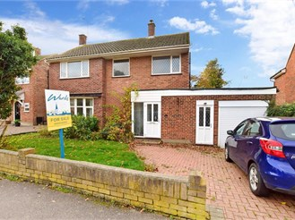 4 bedroom detached house in Meopham