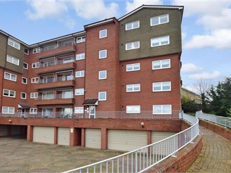 1 bed first floor apartment in Gravesend