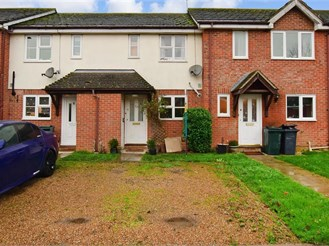 2 bed terraced house in Kingsnorth, Ashford