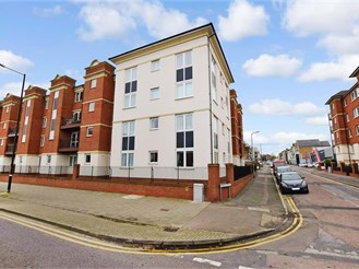 1 bed top floor retirement flat in Cliftonville, Margate