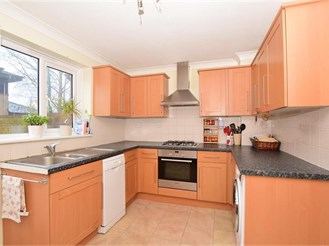 2 bedroom end of terrace house in Canterbury